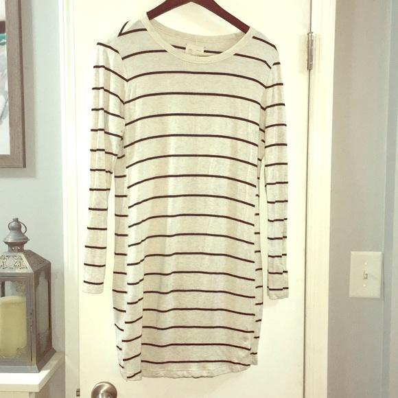 Lou & Grey Dresses & Skirts - Lightweight Sweater Dress